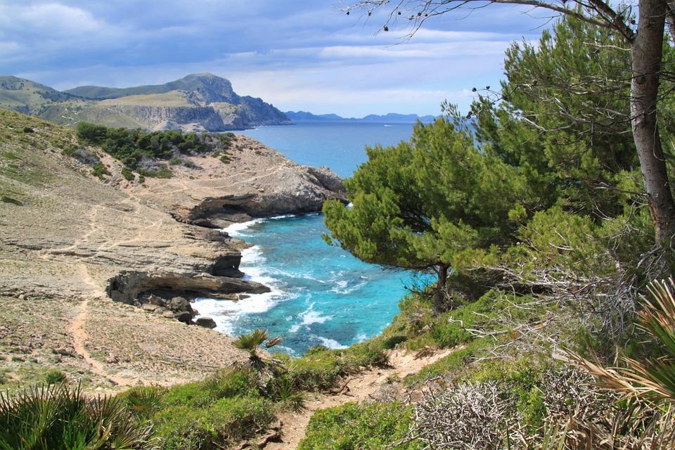 Jedna z wielu malowniczych zatoczek (fot. pixabay.com)