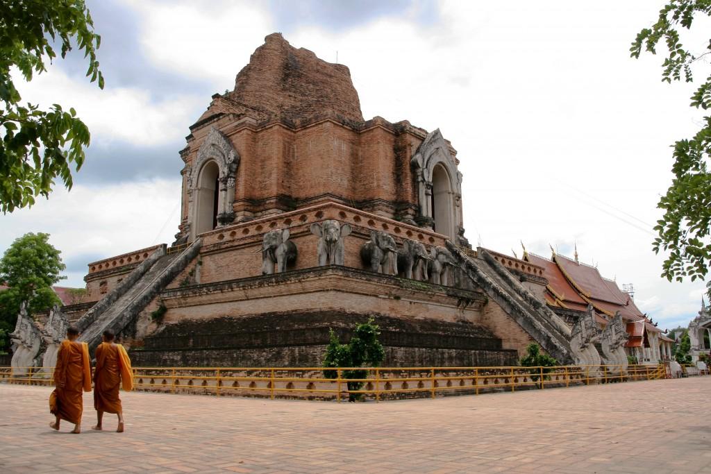 Wat Chedi Luang - najważniejsza świątynia Chiang Mai (fot. commons.wikimedia.org)