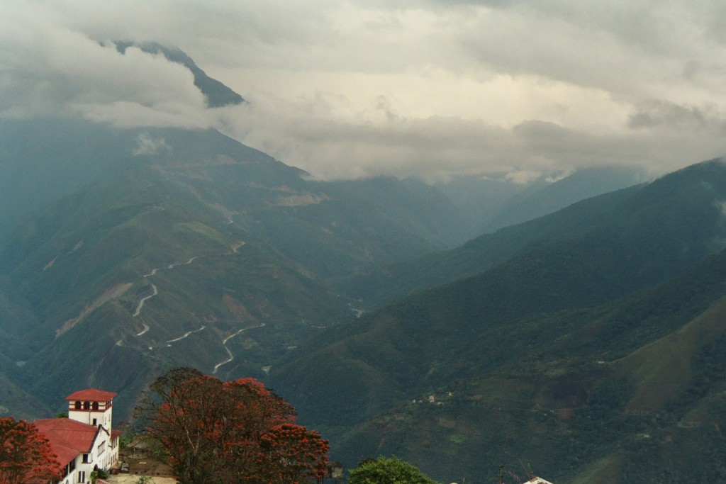 Yungas Road - widok z Coroico (fot. commons.wikimedia.org)