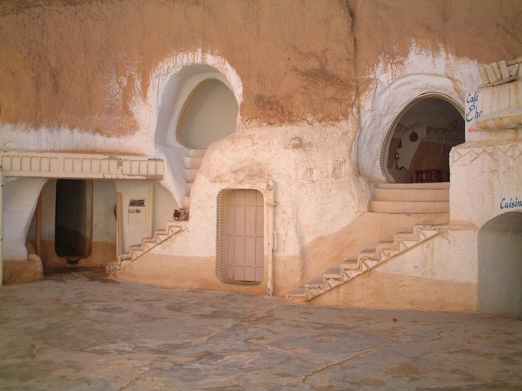 Hotel Sidi Driss - pamiętacie filmowe sceny z jego udziałem? (fot. commons.wikimedia.org)