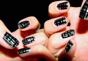 najmodniejsze kolory paznokci