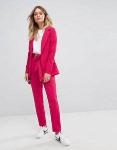 damskie garnitury