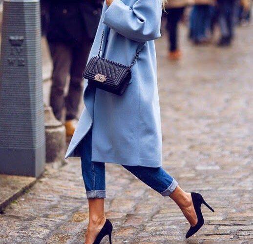 pastelowy błękit