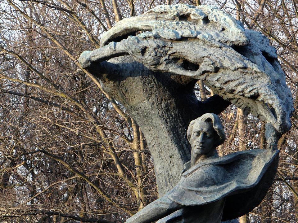 ciekawe pomniki w warszawie